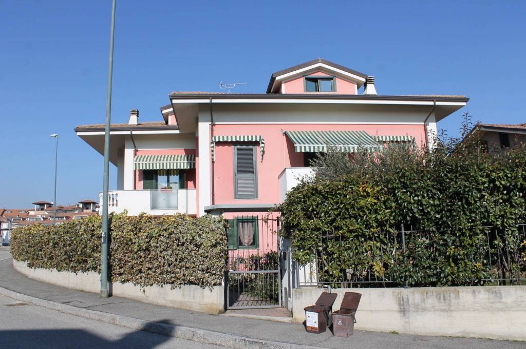 Appartamento in vendita via Colle del Lys 28 Rivalta di Torino