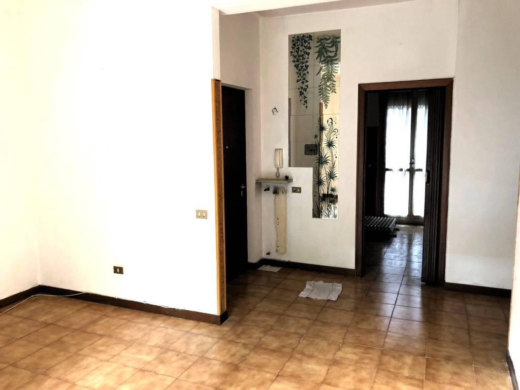 Appartamento in buone condizioni in vendita Rif. 9273292