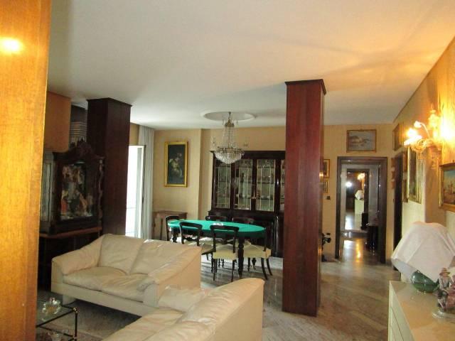 Appartamento in buone condizioni in affitto Rif. 5542213