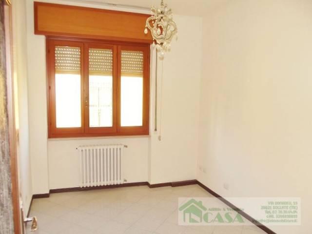 Appartamento in buone condizioni in affitto Rif. 5547275