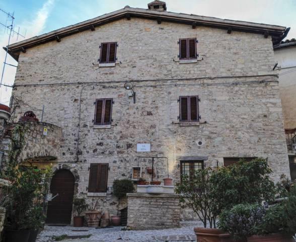 Casa Indipendente in ottime condizioni in vendita Rif. 5588039