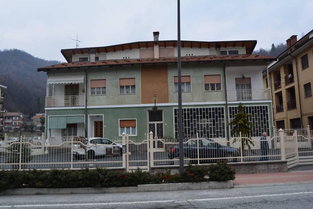Villa in vendita a Venasca, 12 locali, prezzo € 298.000   CambioCasa.it