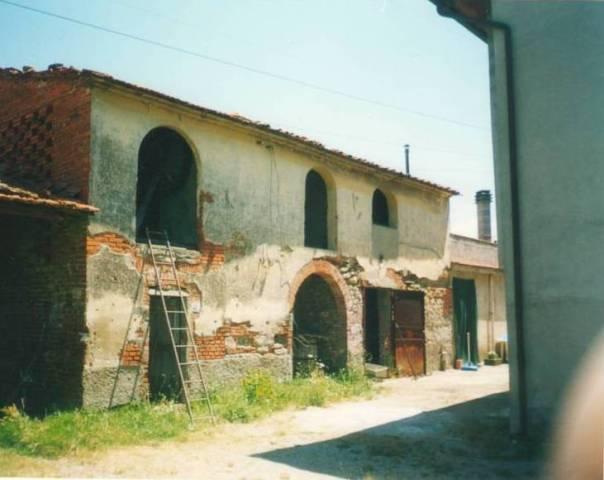 Rustico / Casale da ristrutturare in vendita Rif. 5548179