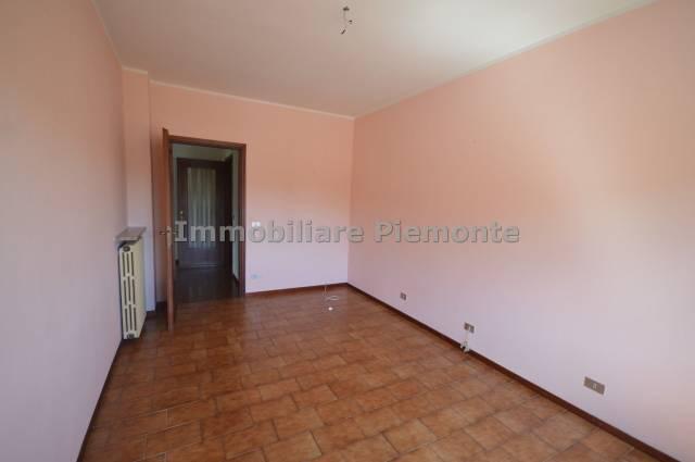 Appartamento in affitto a Maggiora, 4 locali, prezzo € 500 | CambioCasa.it