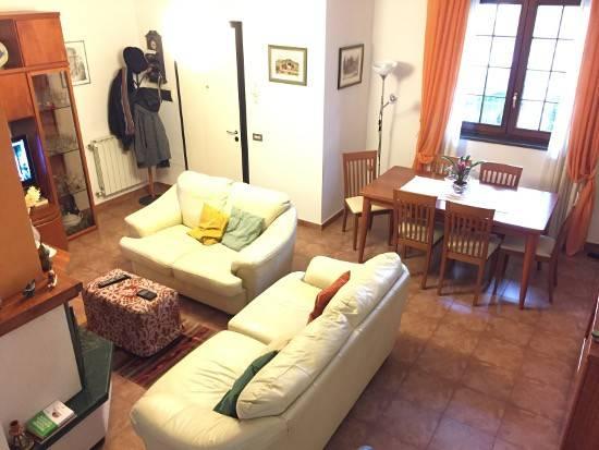 Villetta a schiera in buone condizioni in vendita Rif. 8371771