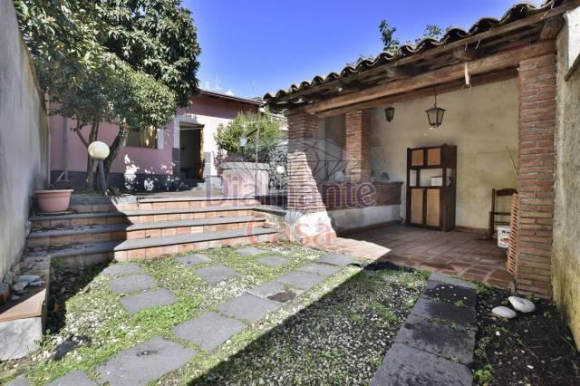 Villa in Vendita a Nicolosi Centro: 4 locali, 130 mq