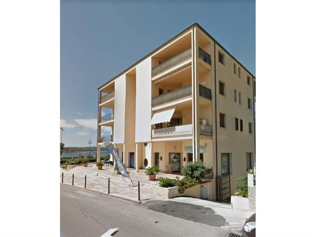 Appartamento in buone condizioni arredato in vendita Rif. 5575375