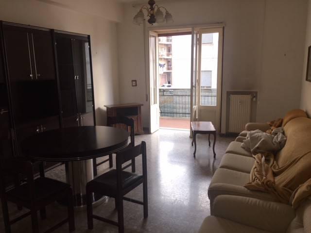 Appartamento in buone condizioni arredato in affitto Rif. 8898004