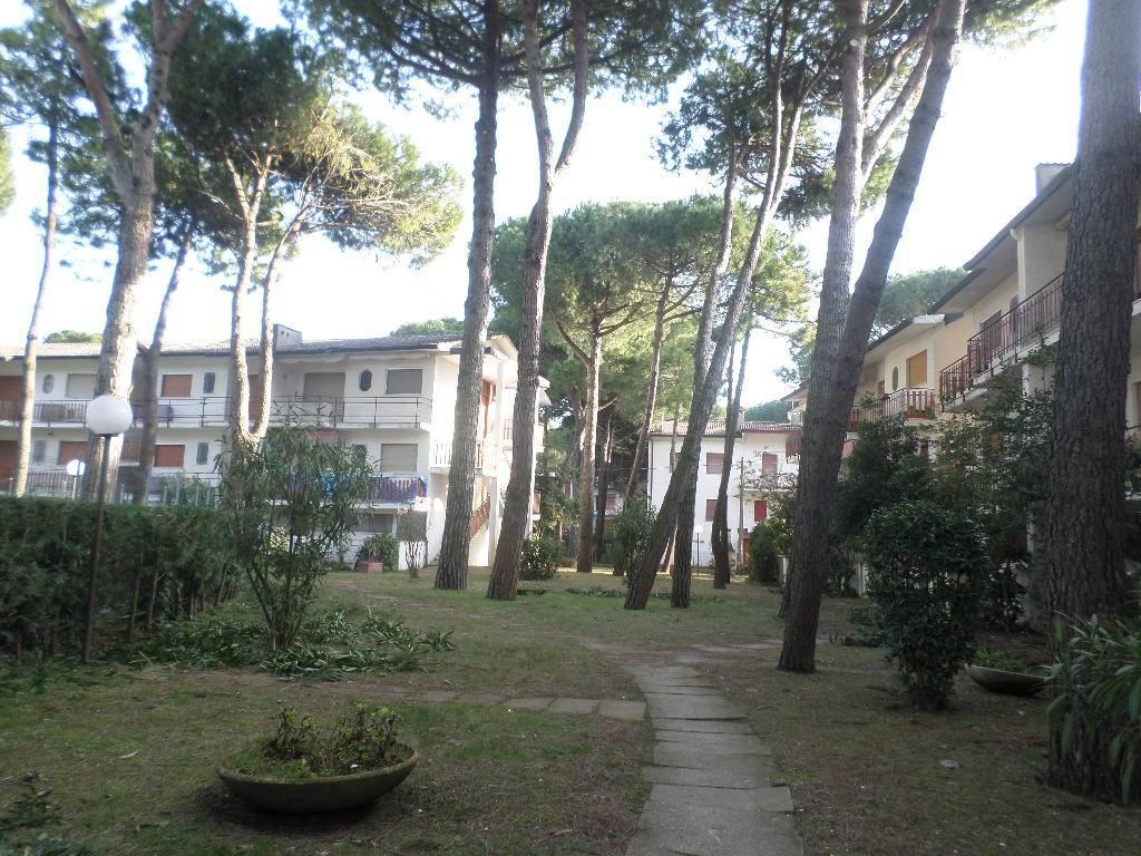 Appartamento in buone condizioni arredato in vendita Rif. 9146158