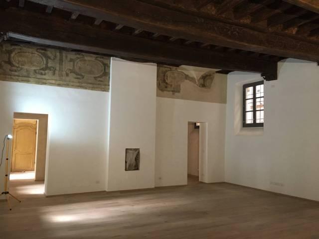 Ufficio / Studio in affitto a Chieri, 4 locali, prezzo € 1.500 | CambioCasa.it