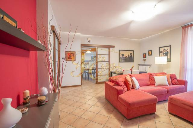 Appartamento in Vendita a Agazzano Centro:  2 locali, 133 mq  - Foto 1