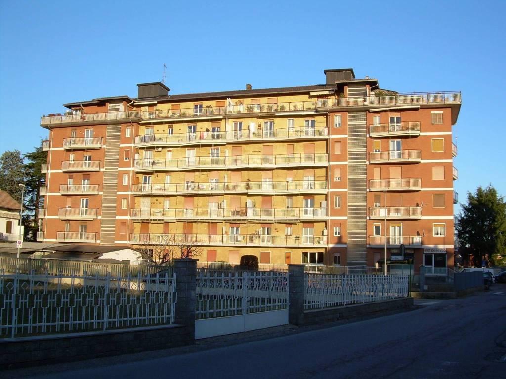 Appartamento da ristrutturare in vendita Rif. 5863930