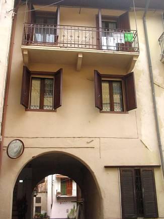 Soluzione Indipendente in vendita a Lozzolo, 3 locali, prezzo € 50.000 | CambioCasa.it