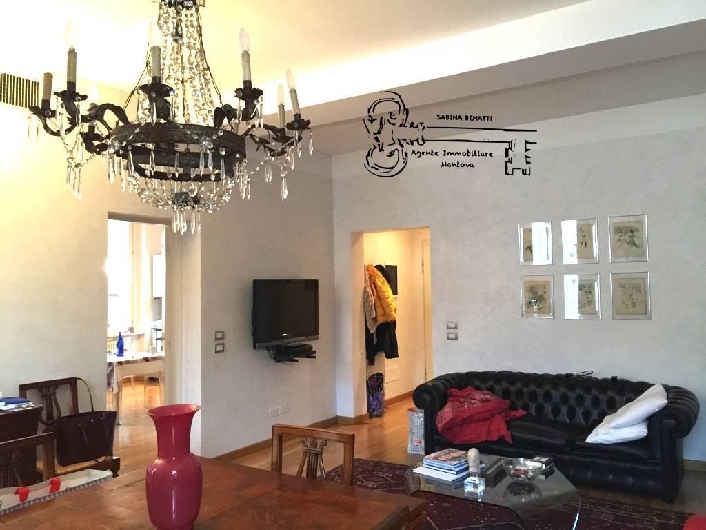 Appartamento in ottime condizioni parzialmente arredato in vendita Rif. 8245601