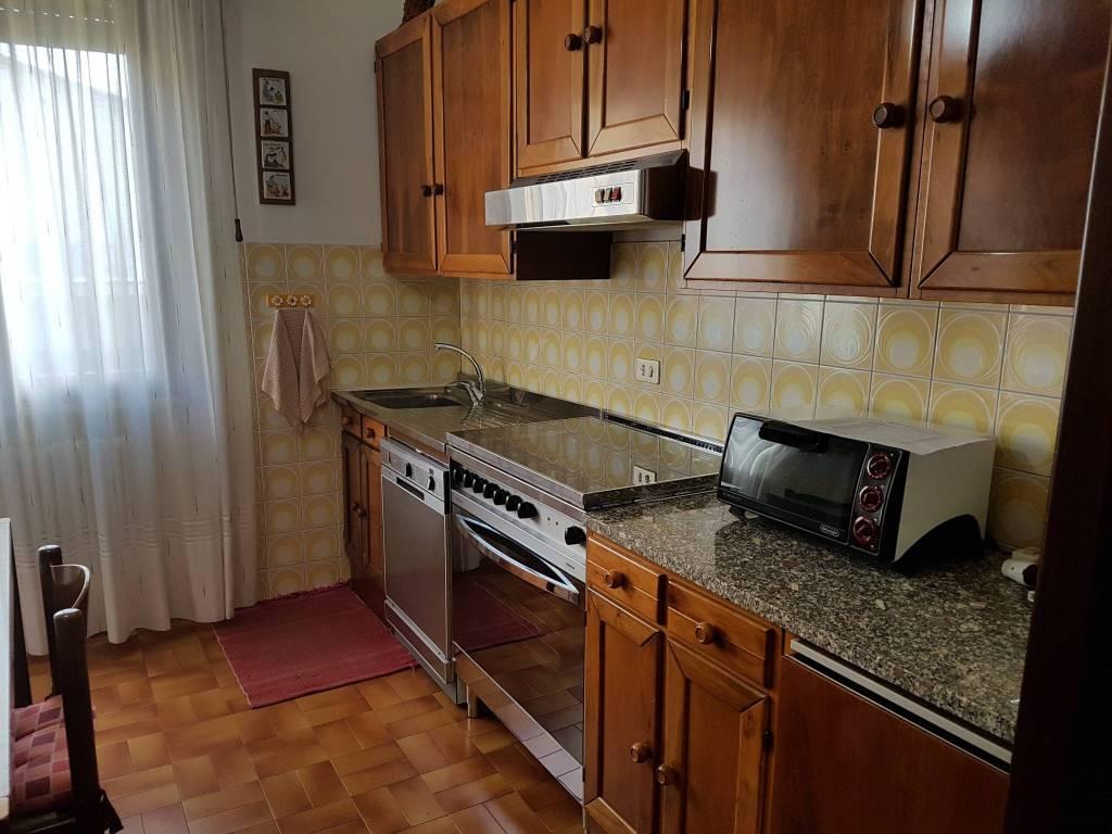 Appartamento in buone condizioni parzialmente arredato in affitto Rif. 4306320