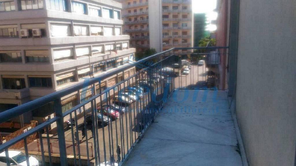 Appartamento in Vendita a Catania Semicentro: 2 locali, 75 mq