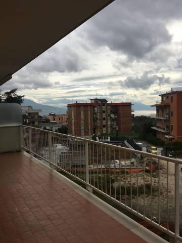 Appartamento in vendita 3 vani 92 mq.  viale Colli Aminei Napoli