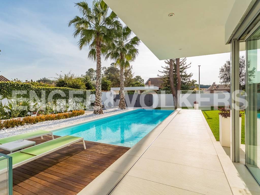 Villa in Vendita a Roma 23 Eur / Torrino: 5 locali, 460 mq