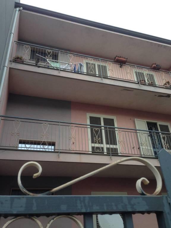 Appartamento in buone condizioni in affitto Rif. 8828390