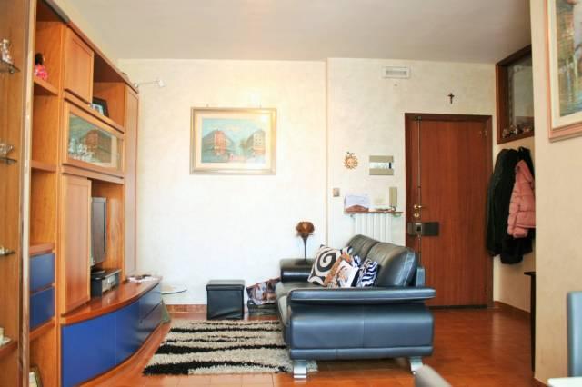 Appartamento in buone condizioni in vendita Rif. 6841017