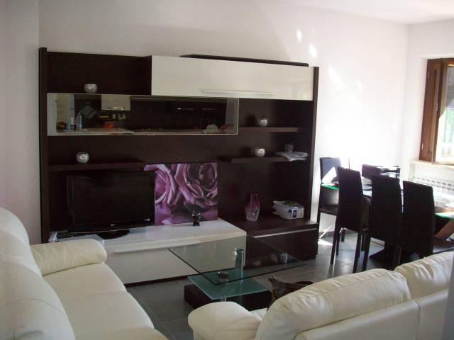 Appartamento in ottime condizioni in vendita Rif. 5543681