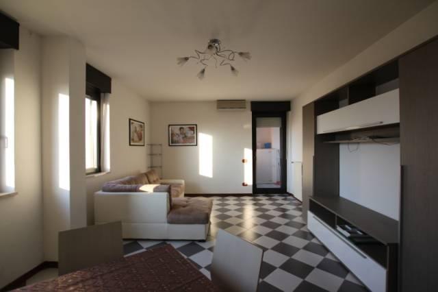 Appartamento in ottime condizioni parzialmente arredato in vendita Rif. 5548679