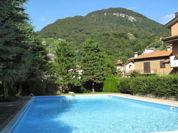 """DOMASO, residence """"La Roggia"""" con piscina e parco condominia"""