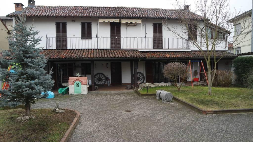 Soluzione Indipendente in vendita a Stroppiana, 7 locali, prezzo € 170.000   PortaleAgenzieImmobiliari.it