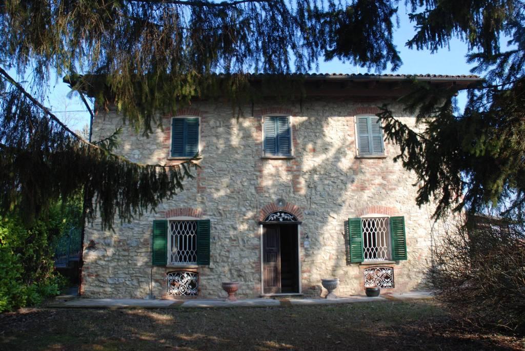Foto 1 di Villa via Umberto I, Orsara Bormida