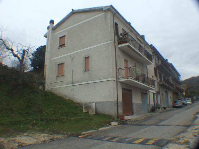 Monolocale in affitto a Colle di Tora in Via Roma