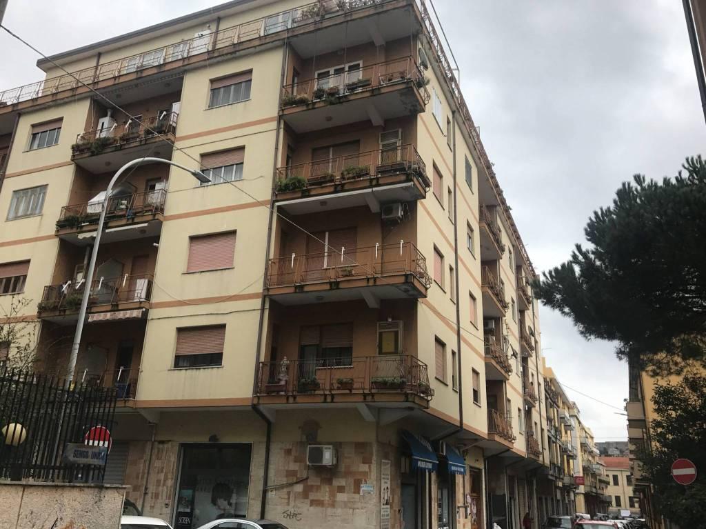 Appartamento da ristrutturare in vendita Rif. 7784554