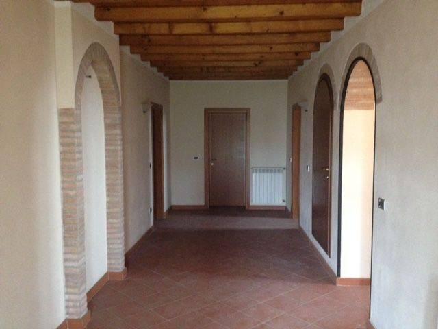Rustico / Casale in vendita a Castellucchio, 6 locali, prezzo € 220.000   CambioCasa.it