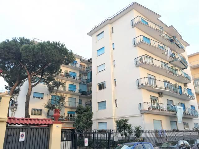 Appartamento in ottime condizioni in affitto Rif. 5564785