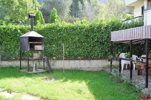 Appartamento in buone condizioni in vendita Rif. 6393572