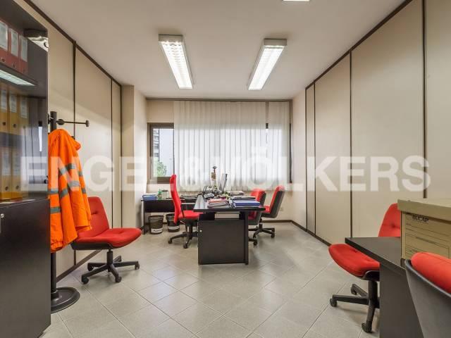 Ufficio-studio in Affitto a Roma 19 Ardeatino / Grotta Perfetta / Fonte Meravigliosa: 5 locali, 300 mq