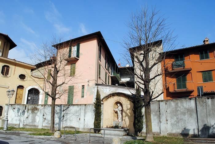 BILOCALE NEL CENTRO DI CANZO (CO)