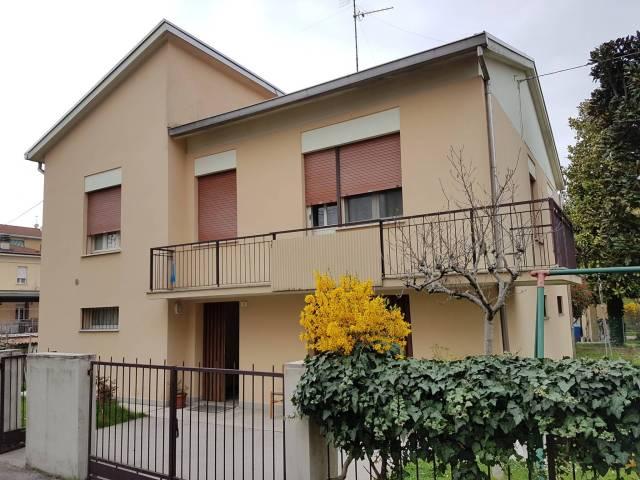 Villa 5 locali in vendita a Guastalla (RE)