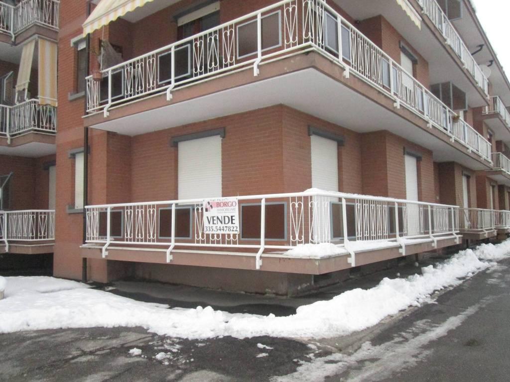 Appartamento in buone condizioni in vendita Rif. 7334183