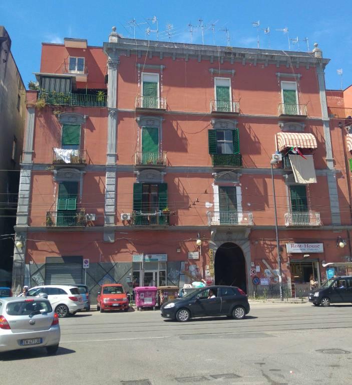 Appartamento in buone condizioni in vendita Rif. 7600826