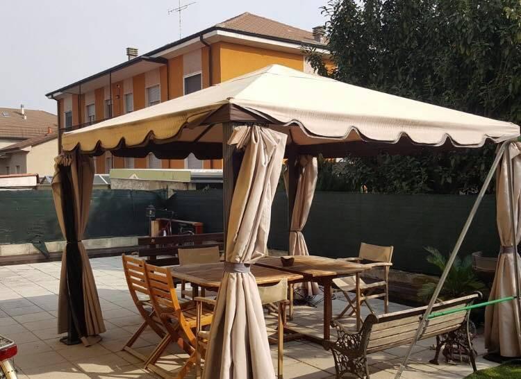 Appartamento in ottime condizioni arredato in vendita Rif. 7931582