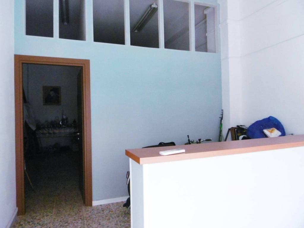 Locale commerciale in Viale Petrarca Rif. 8066215