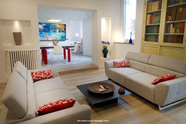 Appartamento in Affitto a Ferrara Centro: 5 locali, 120 mq