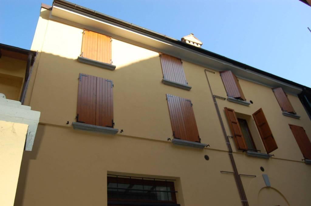 Appartamento in ottime condizioni arredato in vendita Rif. 5565895