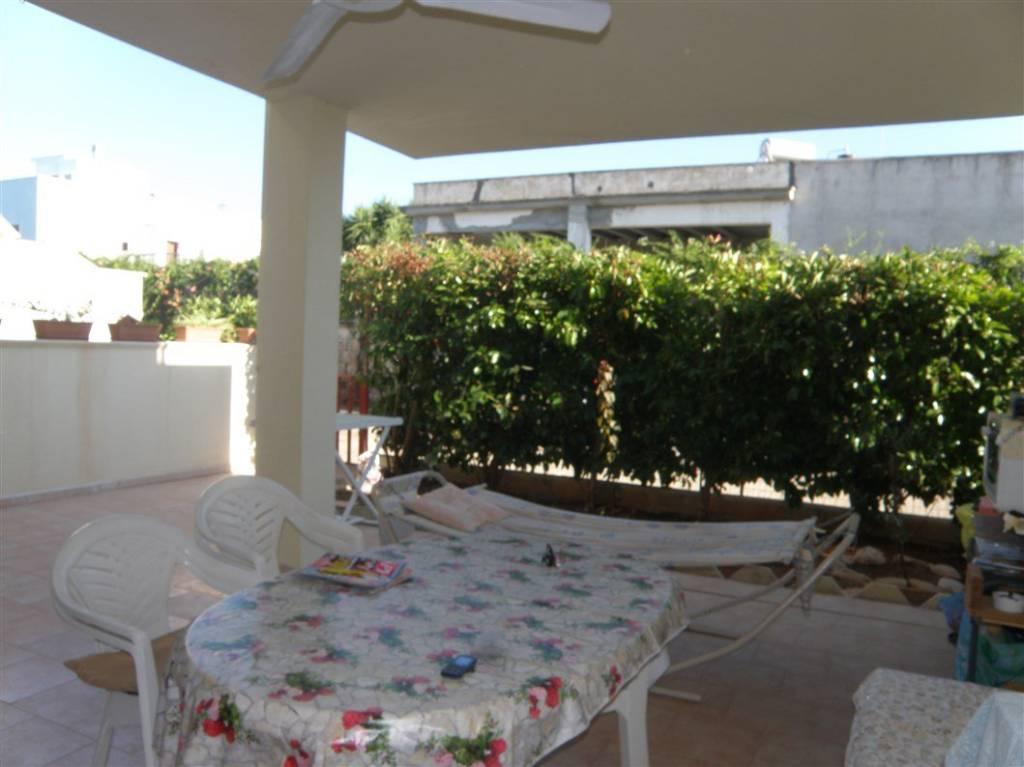 Appartamento in buone condizioni arredato in vendita Rif. 5538935