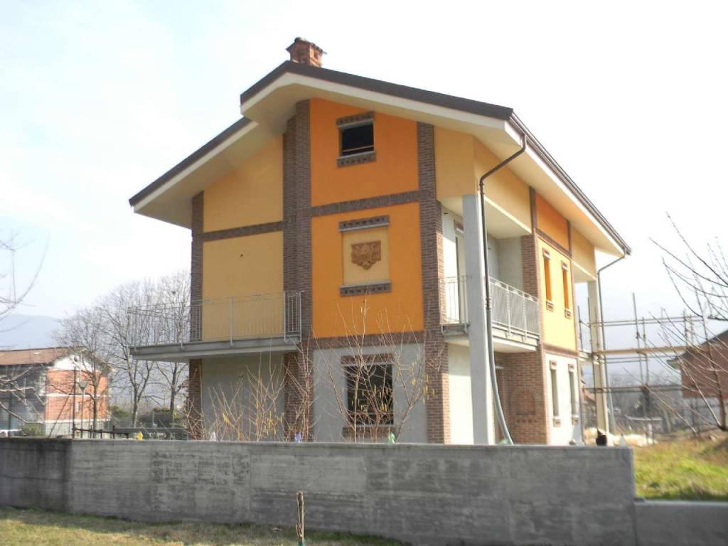 Villa in vendita a Borgone Susa, 4 locali, prezzo € 250.000 | CambioCasa.it