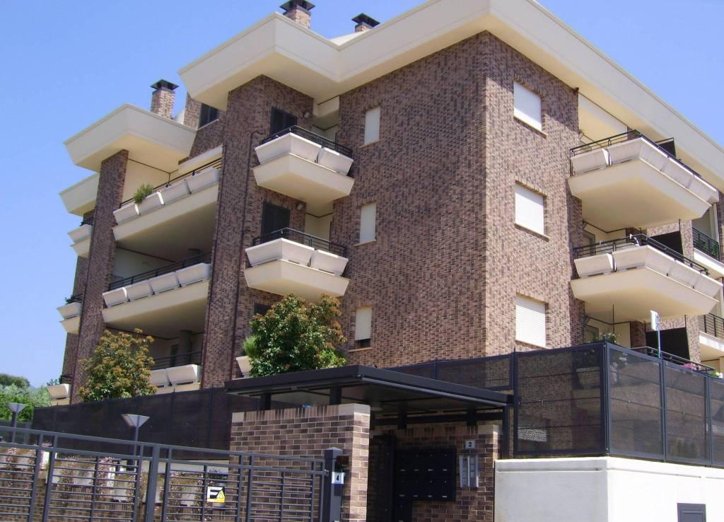 Velletri, appartamento con ampio terrazzo