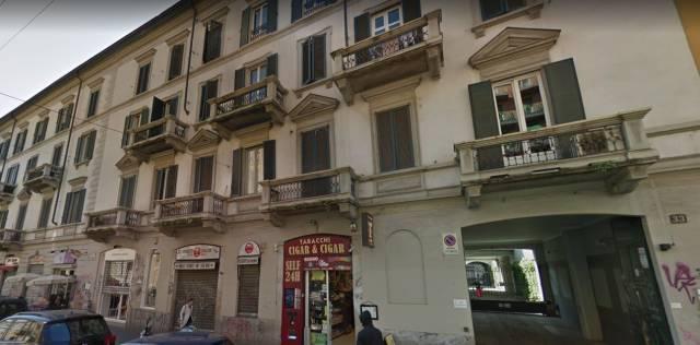 Appartamento in vendita 3 vani 81 mq.  via Vigevano 33 Milano