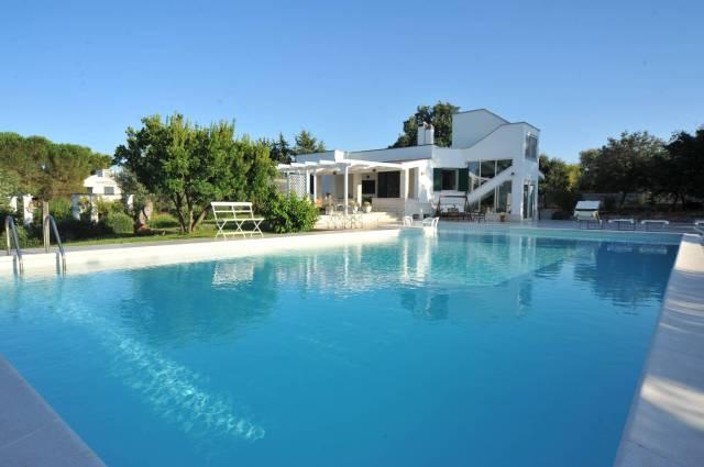 Villa in buone condizioni in vendita Rif. 5586508