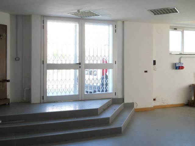 Laboratorio in vendita a Gerenzano, 1 locali, prezzo € 75.000 | CambioCasa.it