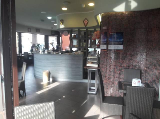 Bar in vendita a Lavena Ponte Tresa, 2 locali, prezzo € 150.000   CambioCasa.it